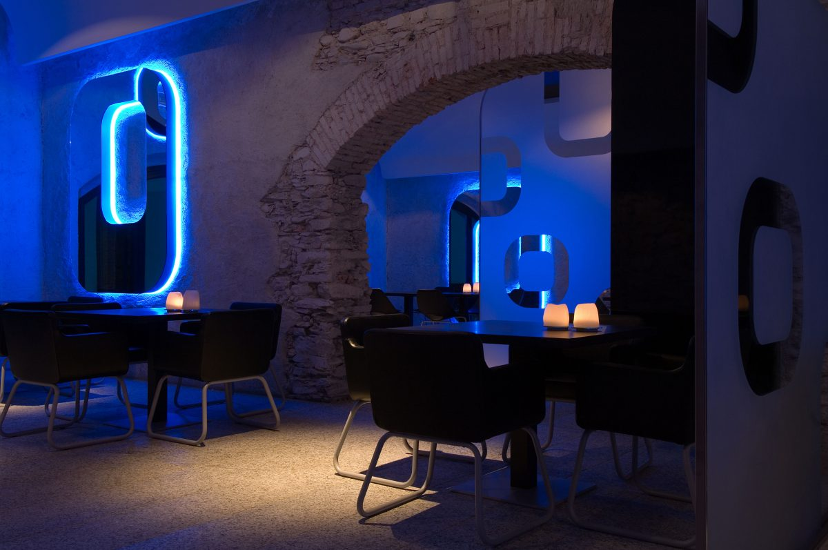 ACQUADULZA bar – wine butega & restaurant Simone Micheli
