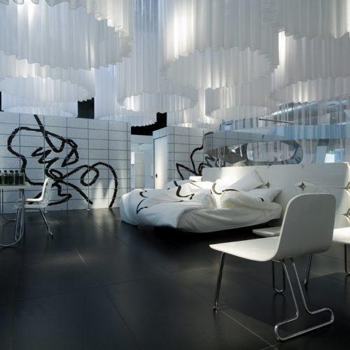BED IN CAFÈ
