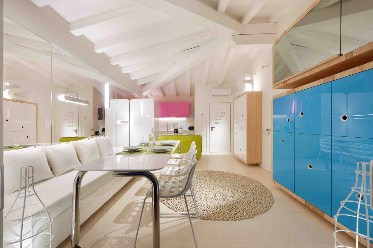 Houseboat Simone Micheli