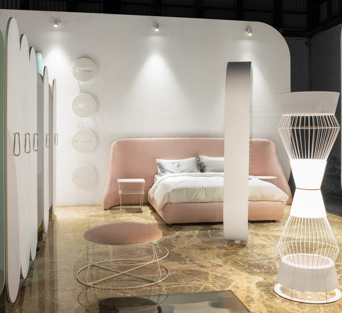 HOTEL REGENERATION social time | social life | social space Simone Micheli